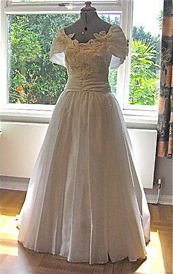 VINTAGE SPANISH WEDDING DRESS WHITE 10 - 12 NOVIA d' art GOWN PROM STAGE COSTUME