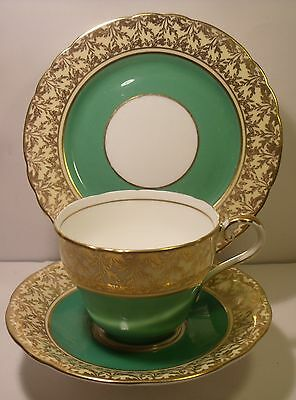 Vintage  Aynsley Green Leaf Trio Cup, Saucer And Side Plate C163 (2)