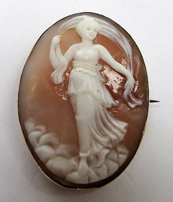 Fine quality large antique 9ct gold mounted carved shell cameo brooch