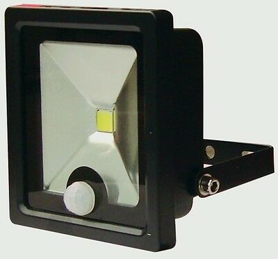 XQ Slimline IP65 LED Security Light With PIR