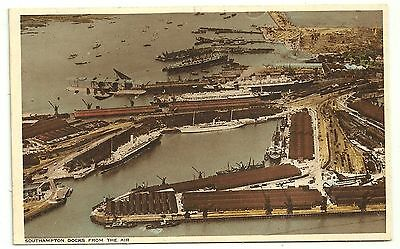 Hants postcard Southampton Docks from the Air  Liners