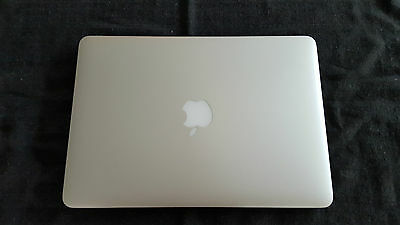 2015 Retina Macbook Pro 13.3 inch 2.7GHz CPU, 8GB RAM, 256GB Flash MF840X/A