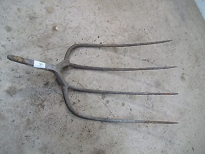 Old 4 Tine  Hay Fork Pitchfork Head Only  Lot H