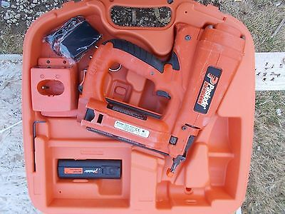 (Clean + Lube) Paslode 901000 Cordless 18 Gauge Straight Brad Nailer