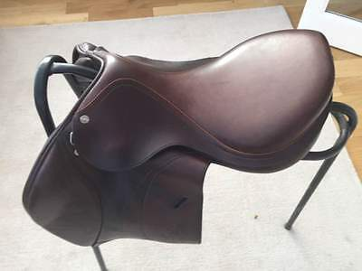 "Equipe Expression Brown jumping saddle 16 1/2"" wide fit"
