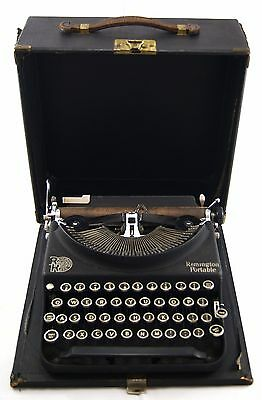 Vintage REMINGTON RAND Portable Typewriter SV418409.