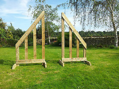 Pair of 5ft Sloping Show Jump Wings with 2 pairs of Jump Cups