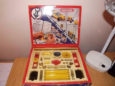 P68:  Meccano Construction Set with Motor 380 Pieces