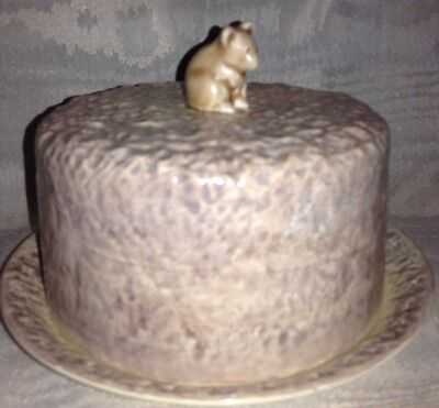 Circular Sylvac Pottery Cheese Dish With Mouse Finial