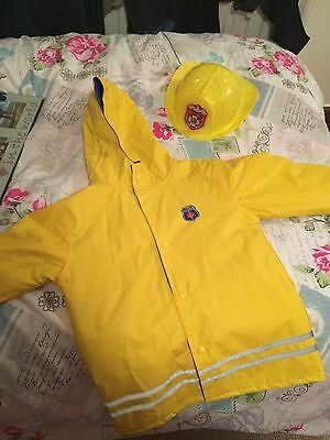 Firemans Coat And Hat That Flashes And Lights Up Aged 4