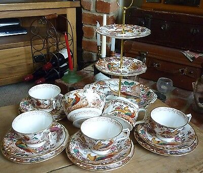 Royal Crown Derby 15 Piece China Tea Set. 'Old Avesbury'