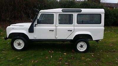Land Rover Defender 200TDi 110 County Station Wagon 4x4 CSW SUV Off Road Towing