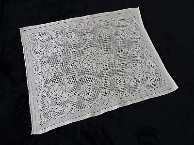 Attractive Vintage White Nottingham Lace Tray Cloth