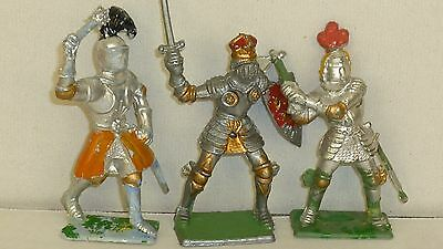 3 Vintage Cherilea plastic foot knights in 60mm scale
