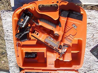 "Paslode 902400 Cordless 16 Ga. Angled Li-Ion Nailer ""In Used 900600 Case"""