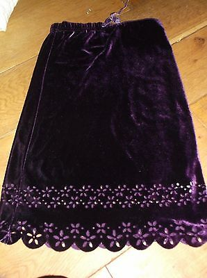 Monsoon purple velvetty skirt 4-6 years. Great for Christmas party