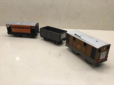 Tomy Thomas The Tank Engine train - Toby, Truck, and Henrietta Carriage