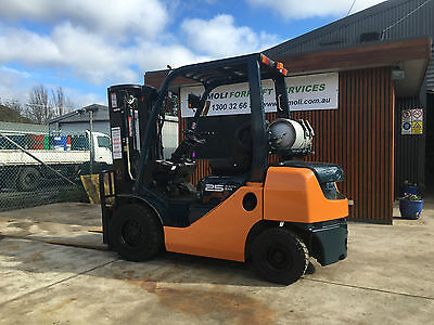 Toyota 2.5 Forklift 8 Series Container Mast 8Fg25 Side Shift Damoli Forklifts