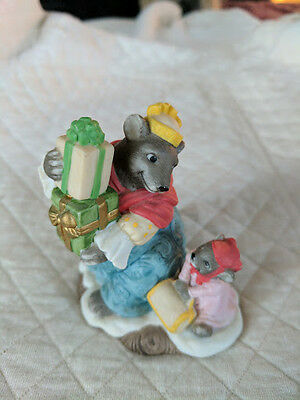 """Holiday Hamlet """"Mrs. Grizzly"""" Figurine"""