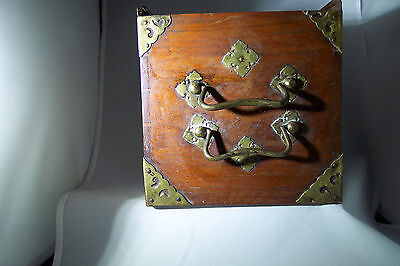 Chinese Mah Jong Set in Wooden  Case  with Brass corner, wooden tiles 1920
