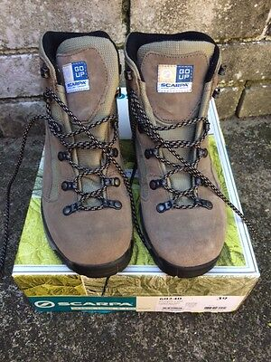 SCARPA Hiking boots (made in Italy)Ladies US7.5