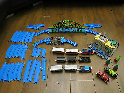 Thomas and Friends Sodor Airport + Track and Trains Tomy Trackmaster