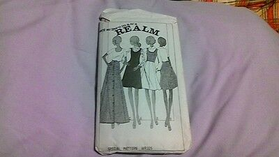 1960s 1970s Vintage Retro Woman's Realm multiple outfits Pattern WR325