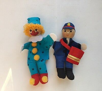 2 Lovely Finger Puppets with Wooden Heads