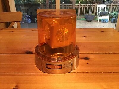 Vintage Signal Stat Rotating Emergency Amber Beacon Light Model # 350 Sae W3 68