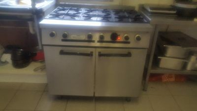 Commercial 6 Ring Gas Hob and Electric Cooker