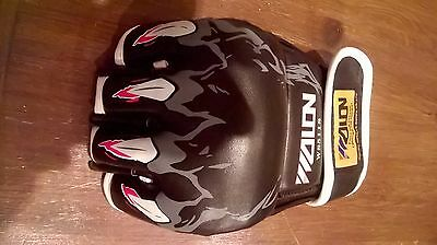 MMA / Boxing gloves