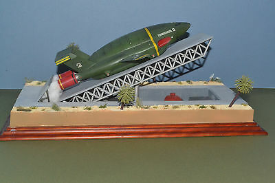 Thunderbird 2 launch diorama model, 1:350 scale (approximately)