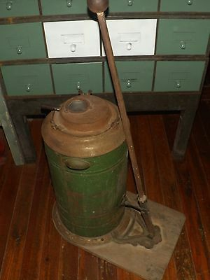 1800's Original Hand-Pump CROWN Vacuum Cleaner WORKS
