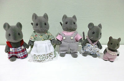 Vintage Thistlethorn Mouse Family With Original Clothing