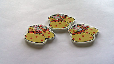 Missionary Auction Set of 3 Pale Yellow Bootee Shape Buttons