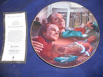 """1996 Star Trek Voyager plate from Hamilton Collection """"Life Signs"""""""