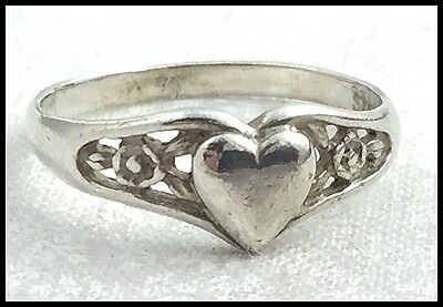 VINTAGE .925 Sterling Silver - Petite Heart Filigree Band Ring - Size 5.75