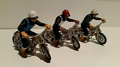 3 VINTAGE DINKY/BRITAINS SPEEDWAY BIKES AND RIDERS GREAT LITTLE LOT FROM THE 70s