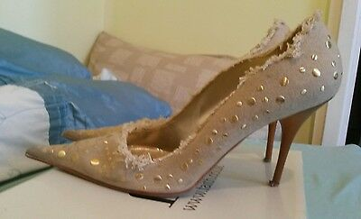 Nude and Gold. Italian vintage stilletoes. Size 6