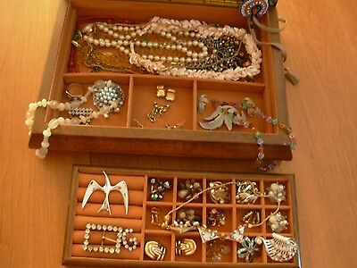 Wow !! Huge Lot of Vintage Jewels / Jewelry Box not included