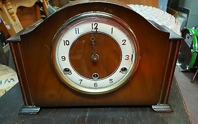 Vintage 8 day mantle clock