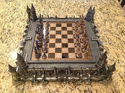 "The Franklin Mint "" Guardians of the Fortress "" Chess Set by Michael Whelan NICE"