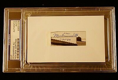 Muhammad Ali Signed Authentic Cut Certified By Psa/dna Signed On 1-25-89