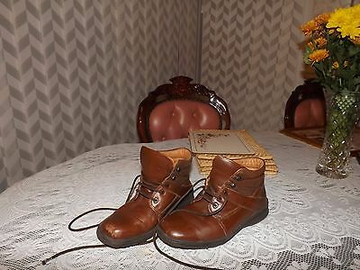 Walking Boots Size 4.5 Leather