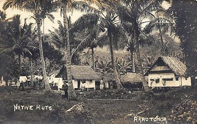 1920s COOK ISLANDS Postcard RAROTONGA Natives & HUTS Homes South PACIFIC