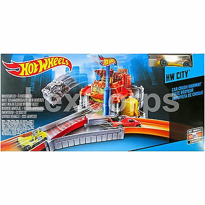 Hot Wheels CDK91 City Car Crush Highway Toy Set Track System 3 Speed Launcher