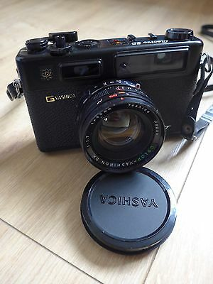 Yashica Electro 35 35mm Range Finder camera With 45mm 1:1.7 Lens