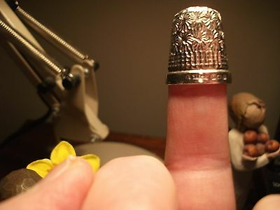 Solid silver thimble No.7 James Swann Birmingham 1922