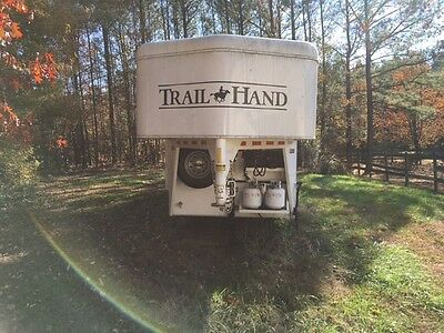 2015 Bison 480 Trail Hand 4 horse trailer 8 ft live in quarters