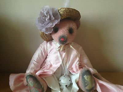 Unique large Amy Goodrich (Portobello) bear with hand-painted features OOAK